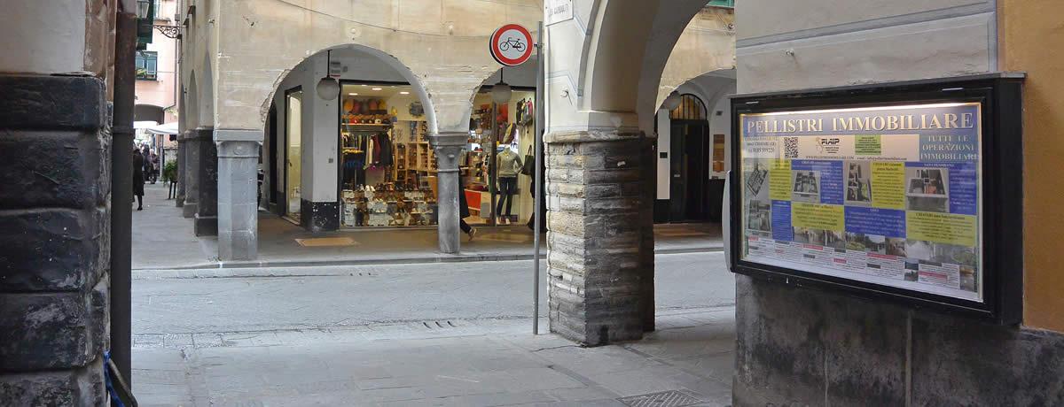 Caruggio Dritto (centro storico)